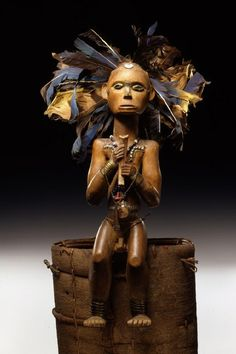 Africa | Reliquary figure 'byeri' from the Fang Ngumba people of Cameroon | 19th century | Wood, feathers, iron, brass and glass | © Foto: Ethnologisches Museum der Staatlichen Museen zu Berlin - Preußischer Kulturbesitz