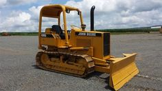1995 John Deere 400G Crawler Track Loader for sale at www.quesalesinc.com for $17,500.00