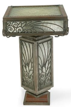 Table lamp, by Edgar BRANDT, wrought iron hammered, ca. 1923.