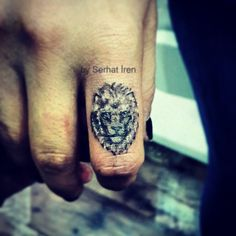 Lion Tattoo, finger tattoo