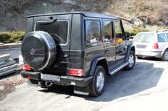 Mercedes G-wagon.