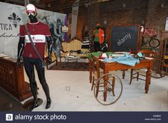 Download this stock image: Ciclistica Fiorentina shop at Florence bike festival 2013 - D46B03 from Alamy's library of millions of high resolution stock photos, illustrations and vectors.