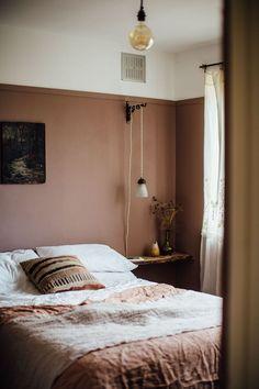 my scandinavian home: Duvet Day In This Cosy 'Forever Autumn' Bedroom? my scandinavian my scandinavian home: Duvet Day In This Cosy 'Forever Autumn' Bedroom? my scandinavian home: Duvet Day In This Cosy 'Forever Autumn' Bedroom? Box Bedroom, Home Decor Bedroom, Bedroom Brown, Dusky Pink Bedroom, Bedroom Ideas, Bedroom Signs, Bedroom Apartment, Light Brown Bedrooms, Feminine Bedroom
