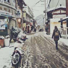 Snow in Seoul.