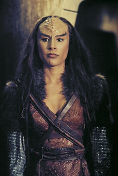 Star Trek Art - Klingon woman
