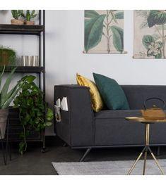 Canapé Gian Noir sur MonDesign ! Couleur noir très chic pour un intérieur design et tendance #design #tendance #fashion #sofa #canapé #livingroom #black #noir #confort #coussin #cushion #or #gold