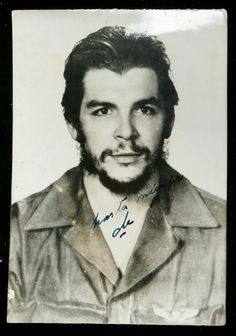 Che Guevara signed photo. Sold for $7,000 in July 2011.