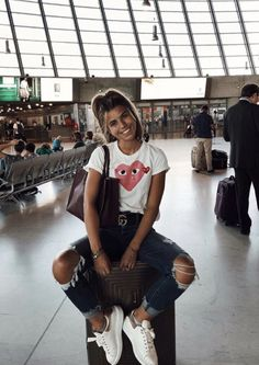 33 Ideas Travel Outfit Plane Fit For 2019 Foto Fashion, Travel Fashion, Travel Ootd, Travel Style, Shotting Photo, Summer Outfits, Cute Outfits, Vacation Outfits, Summer Dresses