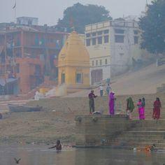 Contraste de couleurs à Varanasi, Inde