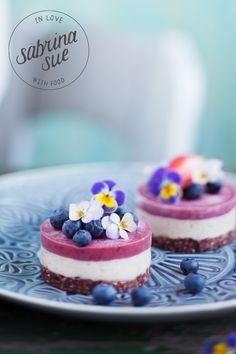 Raw Strawberry Cheesecakes für ganz besondere Anlässe