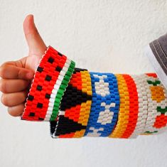 Looking for a fun spring/summer craft?  Try making some woven perler bead bracelets!  Dozens of fun ideas to choose from!