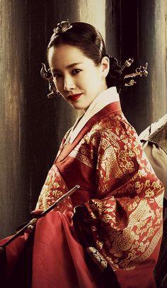 한복 Hanbok : Korean traditional clothes[dress]   Queen Insoo   (edited by me)