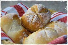 Bäckerbrötchen   12 Stück       280 g Wasser   15 g frische Hefe     3 Min./37°/St.1     500 g Mehl 550er   2 TL Backmalz   1 ½  TL Sal...