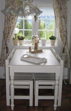 """Vintage Farm Norway: """"NIEUWE EETHOEK"""" Vanity, Dining Table, Mirror, Blog, Furniture, Vintage, Home Decor, Dressing Tables, Powder Room"""
