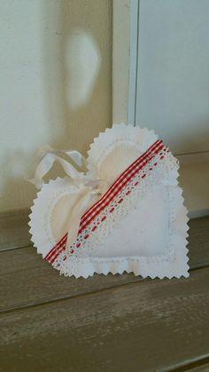 Coeur en tissu blanc et rouge à carreaux : Accessoires de maison par lestresorsdisa68