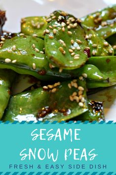 This Sesame Snap Pea Recipe will become a favorite fresh and easy side dish! Perfect with your next Asian dish or stir fry. Informations About Sesame Snap Peas Asian Side Dishes, Healthy Side Dishes, Side Dishes Easy, Vegetable Side Dishes, Side Dish Recipes, Asian Recipes, Asian Vegetables, Healthy Vegetables, Healthy Vegetable Recipes