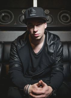 Hardwell On Air 442 - music/song added under genre of Dance & EDM Dj Music, Dance Music, Music Stuff, Twenty One Pilots, Edm, Dj Images, Aly And Fila, Dj Photos, Krewella