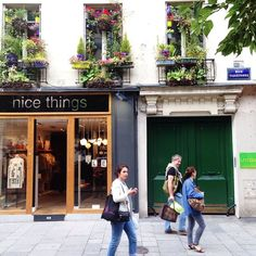 La jolie façade Rue Tiquetonne   #paris #flower #nicethings #shop