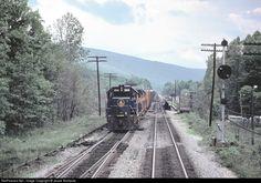 Net Photo: B&O 3806 Chessie System EMD at Hyndman, Pennsylvania by Jesse Svoboda Baltimore And Ohio Railroad, Railroad Photography, Train Pictures, Locomotive, Roads, Pennsylvania, Trains, Funny Animals, Transportation