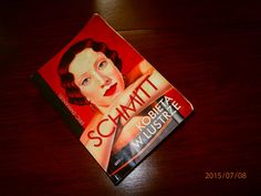 """Czasem też czuję się niedopasowana - o """"Kobiecie w lustrze"""" E.E. Schmitta"""