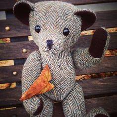 #tweedyted has heard it's lucky to catch a falling leaf in #Autumn! #RaddainChianti