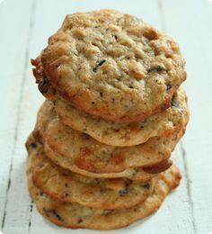 Peanut Butter Banana Chocolate Chip Cookies | The Vegetarian Diaries (vegan)