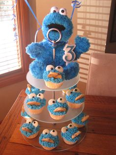 Cookie Monster Cupcakes for my son's birthday 1st Birthday Parties, 3rd Birthday, Birthday Ideas, Monster Birthday Invitations, Cookie Monster Cupcakes, Birthdays, Party Ideas, Children, Recipes