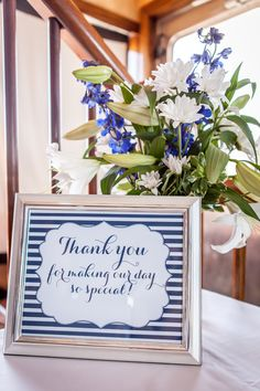 navy and white nautical wedding, photo by alenabakutis.com