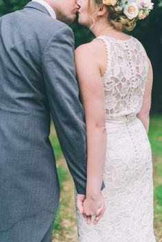 Tendance Robe De Mariée 2017/ 2018 : Love the back of this lace dress: www.stylemepretty | Photography: CJK Visual