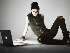 Dragon Tattoo, Lisbeth Salander, Rooney Mara, Alternative, cyberpunk style, dark, black clothing, cyberpunk girl, cyberpunk clothing, laptop, apple, industrial