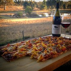 Homemade pizza, countryside views and a bottle of local wine in South Australia's Barossa Valley. Sounds like a pretty wonderful way to spend an evening to us! Photo: @jelishaa (via IG)