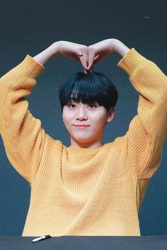 ➳Un libro entero dedicado a Boo Seungkwan de Seventeen. Woozi, Wonwoo, Jeonghan, The8, Vernon, Hip Hop, Seoul, Boo Seungkwan, Seventeen Debut