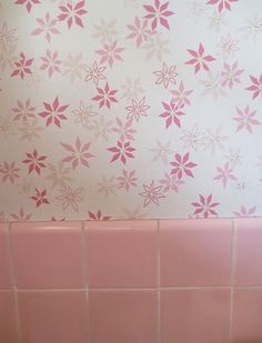 pink-retro-wallpaper-with-tile