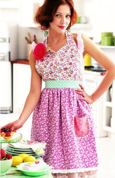 56 Free Apron Patterns You Can Sew - Sewing Tutorials!!