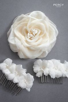 Diy Crafts - Bespoke silk flower hair accessories by Percy Handmade Diy Handmade Hair Accessories, Flower Hair Accessories, Wedding Hair Accessories, Bridal Hair Flowers, Lace Flowers, Fabric Flowers, Hair Comb Wedding, Wedding Hair Pieces, Flower Girl Hairstyles