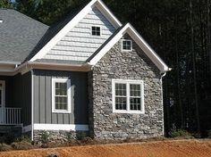 Exterior house siding colors vinyls cedar shakes Ideas for 2019 Exterior Siding Options, Exterior House Siding, Cottage Exterior, Modern Farmhouse Exterior, Exterior Homes, Siding Colors For Houses, Exterior Paint Colors For House, Paint Colors For Home, Exterior Colors