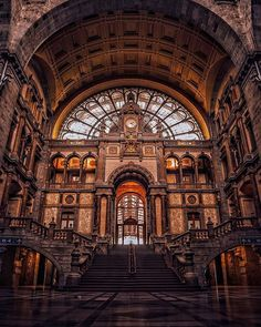 It's crazy how clumsy of us it was to forget to visit the Central Railway Station in #Antwerp (#Belgium).  But on the bright side, we were able to share this awe of witnessing the beauty of this railway station with our friends as we saw it for the first time together! ☺️ This railway station looks as good in reality as it looks in pictures - it reminds you of #HarryPotter movies, as it just pulsing with magic and mystery all over the place! ✨ #TravelersChild #LoveTheWorld #IAmATraveler…