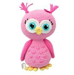 This crochet pattern for a pink amigurumi owl is absolutely free! This cute owl make the perfect gift for that little girl or boy and is completely ready for snuggles!