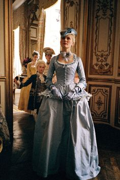 Kirsten Dunst in the title role ofMarie Antoinette (2006).