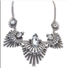 Vintage flower statement necklace Brand new beautiful vintage necklace. Bundle and save! Get 15% off when you buy 3 items! Jewelry Necklaces