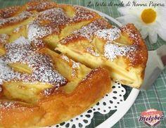 2 mele;  – 2 uova;– 200 g di farina;– 100 g di burro;– 180 g di zucchero;– un bicchiere di latte;– un limone;– un pizzico di sale;– mezza bustina di lievito per dolci. torta di mele di nonna papera 2