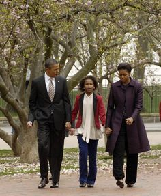 President Barack Obama, daughter Sasha Obama and First Lady Michelle Obama