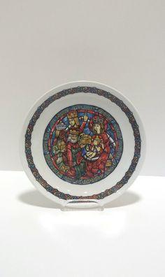 Noel Vitrail Plate Henri  D'Arceau  Limoges by Donellensvintage