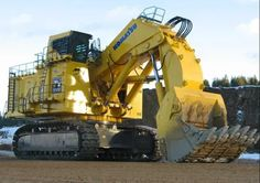 16 Types of Heavy Equipment Used in Construction Heavy Construction Equipment, Road Construction, Construction Process, Heavy Equipment, Earth Moving Equipment, Steel Trusses, Heavy Machinery, Dump Trucks, Chenille
