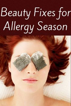 For droopy, puffy, and under eye circles: Tea Time! Have a few Green Tea bags on hand? Soak the Green Tea Bags in ice cold water for about minutes. Close the eyes, then place the tea bags over the eye area and relax for a few minutes. Dark Circles Under Eyes, Eye Circles, Beauty Secrets, Beauty Hacks, Beauty Products, Beauty Solutions, Beauty Advice, Diy Beauté, Men's Hairstyles