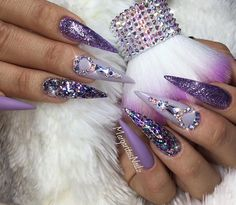 80 Most Eye-catching And Pretty 💕 Colourful Stiletto Nails Design For Prom 💕 - Stiletto Nail Idea 38 💖 𝙄𝙛 𝙔𝙤𝙪 𝙇𝙞𝙠𝙚, 𝙅𝙪𝙨𝙩 𝙁𝙤𝙡𝙡𝙤𝙬 𝙐𝙨 💖 💖 💖 💖 💖 💖 💖 💖💖💖 Hope you love these collection! Sexy Nails, Dope Nails, Glam Nails, Fancy Nails, Bling Nails, Beauty Nails, Bling Nail Art, Art Nails, Gorgeous Nails