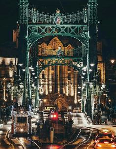 Budapeşte MACARİSTAN #eBs1903 #hungary #budapest #architecture #vintage #history #bridge #night #colorofnight #travel #tramvay Oh The Places You'll Go, Places To Visit, Budapest Christmas, Color Of Night, Hungary Travel, Heart Of Europe, Magic City, Budapest Hungary, Photo Location