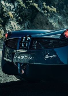 The Pagani Huayra - Super Car Center Pagani Zonda R, Koenigsegg, Lamborghini, Super Sport Cars, Amazing Cars, Power Bike, Fast Cars, Car Pictures, Motor Car