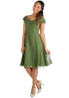 Take a Chanson Me Dress. Friends will sing your fashionable praises when you wear this gorgeous formal dress to your next special occasion! Retro Vintage Dresses, Vintage Inspired Dresses, Mod Dress, Dress Up, Fancy Dress, Sage Bridesmaid Dresses, Bridesmaids, Cute Dresses, Short Sleeve Dresses