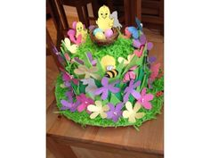 We want you to share your easter bonnet ideas, for girls and boys. Upload them to our gallery and inspire others. Easter Activities, Easter Crafts For Kids, Easter Gift, Easter Ideas, Bunny Crafts, Easter Bonnets, Easter Eggs, Easter Table, Easter Photo Frames